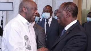 Gbagbo (ibumoso) na Ouattara basuhuzanya