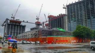 ရန်ကုန်မြို့လယ်ရှိ ယခင်မီးရထားရုံးဟောင်း မြေနေရာမှာ ဆောက်လုပ်မှုရပ်လိုက်တဲ့ အမေရိကန်ဒေါ်လာသန်း ၁၃၀ တန် ဟိုတယ်စီမံကိန်း