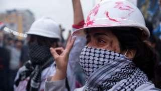 متظاهرة عراقية