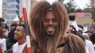 Nama uffannaa aadaa Oromoo uffatee jiru -Onkololessaa 2019