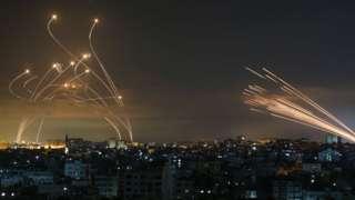Misiles israelíes contra los cohetes de Hamás.