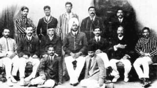 1911 च्या मे महिन्यात लंडनला जाण्याची तयारी करणारा भारतीय संघ
