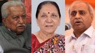 ગુજરાતના પૂર્વ મુખ્ય મંત્રી કેશુભાઈ પટેલ (ડાબે) અને આનંદીબહેન પટેલ (વચ્ચે) અને વર્તમાન નાયબ મુખ્ય મંત્રી નીતિનભાઈ પટેલ