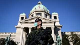Военный в Белграде