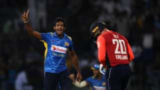 Sri Lanka celebrate wicket of Jason Roy