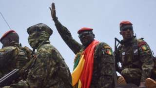 Guinea coup leader with soldiers