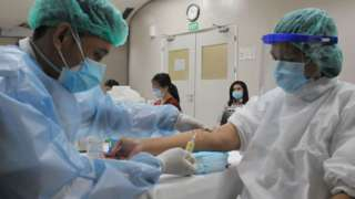 Médicos en un hosipital de Yakarta.