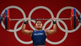 Hidilyn Diaz của Philippines đã giành huy chương vàng đầu tiên cho quê nhà