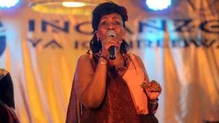 Umuhanzi Cecile Kayirebwa