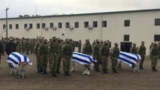 Funeral por los tres infantes de marina.