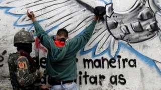 """Кривава бійня в Ріо-де-Жанейро. Поліцію звинувачують у """"страті"""" підозрюваних"""