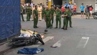 Hiện trường tai nạn tại ở giao lộ Võ Công Tồn - Tân Hương thuộc phường Tân Qúy, quận Tân Phú