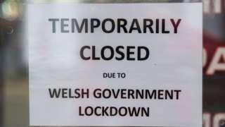 Lockdown closed sign