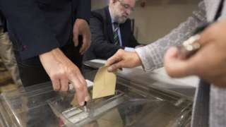 French voters cast their ballots