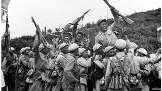 1950年6月朝鮮戰爭爆發,10月中國軍隊秘密進入朝鮮同美國為首的聯合國軍作戰