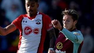 Mario Lemina of Southampton and Jeff Hendrick of Burnley battle for the ball
