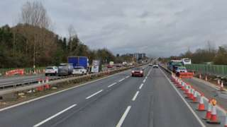 M4 westbound carriageway near Junction 5