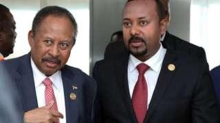 رئيس الوزراء الإثيوبي أبي أحمد (إلى اليمين) ورئيس الوزراء السوداني عبد الله حمدوك. البلدان لديهما تاريخ طويل من التنافس