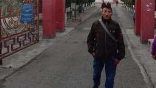 53岁的丹增尼玛在一场军事行动中因地雷爆炸而身亡。