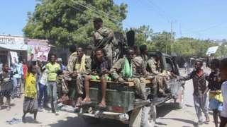 Abigaragambya bamagana leta, aha barashimira bamwe mu basirikare bitandukanyije n'igisirikare cya Somalia