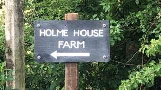 Sign saying Holme House Farm