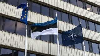 флаги латвии нато и ес