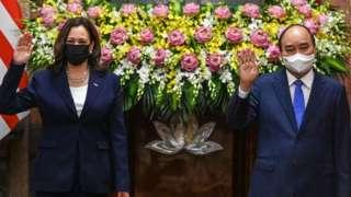 Trong cuộc gặp Chủ tịch nước Nguyễn Xuân Phúc tại Hà Nội, Phó Tổng thống Mỹ Harris đã kêu gọi gia tăng sức ép với Bắc Kinh để buộc nước này tuân thủ Công ước của LHQ về Luật Biển