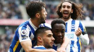Brighton celebrate Neal Maupay's penalty.