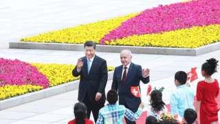 2019年4月29日,习近平在北京人民大会堂为瑞士联邦主席毛雷尔举行欢迎仪式。