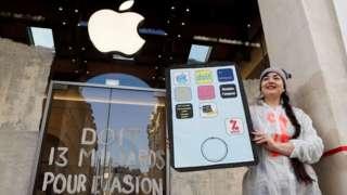 Магазины Apple в Европе привлекают не только покупателей, но и протестующих против налоговых практик американской компании. Акция в Париже
