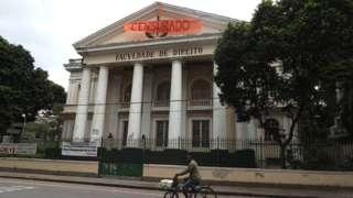 Faixa de 'censurado' na Universidade Federal Fluminense