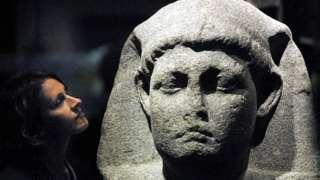Tượng Cleopatra