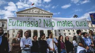 Anti-euthanasia protest in Lisbon, 20 Feb 20