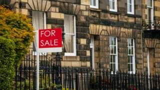 Flat for sale in Edinburgh