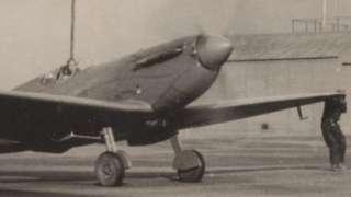 Spitfire AA810