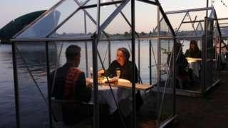 """Invernaderos"" en el restaurante Mediamatic Eten, en Ámsterdam"