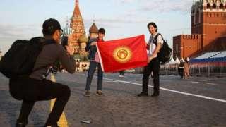 Ар кандай эсептөөлөр боюнча Орусия аймагында жашап, иштеген кыргызстандыктар саны 600 миңден миллионго чейин