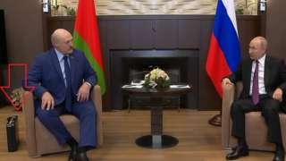 Лукашенко, Путін, валіза