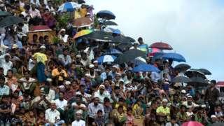 ဘင်္ဂလားဒေ့ရှ်နိုင်ငံ ကူတူပလောင်ဒုက္ခသည်စခန်းက ရိုဟင်ဂျာဒုက္ခသည်အချို့