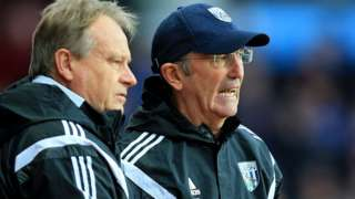 Dave Kemp and Tony Pulis in conversation