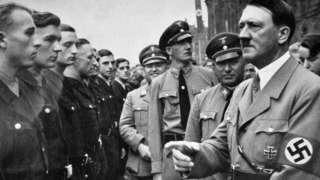 Hitler e Robert Ley