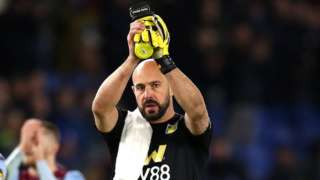 Pepe Reina claps the Aston Villa fans after their 1-1 draw at Brighton