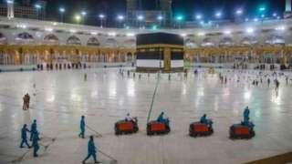 سعودي چارواکي وايي سږکال به یوازې ۶۰ زرو کسانو ته د حج په مراسمو کې د ګډون اجازه ورکړي.