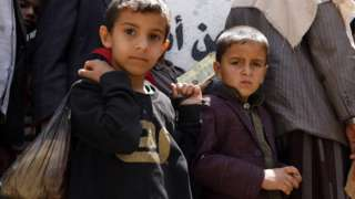 Yemen'de milyonlarca çocuk gıda sıkıntısı yaşıyor.