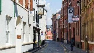 Ye Olde Black Boy pub on High Street in Hull's Old Town