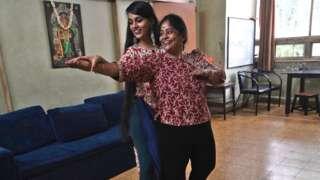 टिकटक कुनै गीत तथा नृत्यमा अभिनय गर्नमा निकै प्रयोग गरिन्छ तर अहिले भारतमा प्रतिबन्धित छ