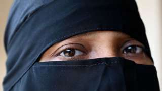 нікаб, мусульманська жінка