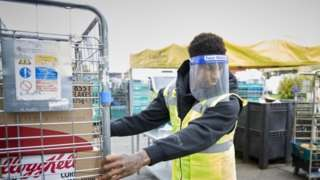 Marcus Rashford working at FareShare