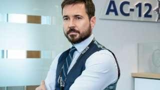 Martin Compston plays DI Steve Arnott