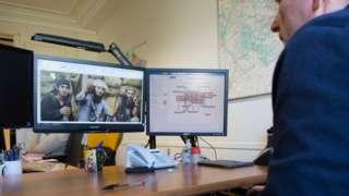 French police checking jihadist website, Oct 2015